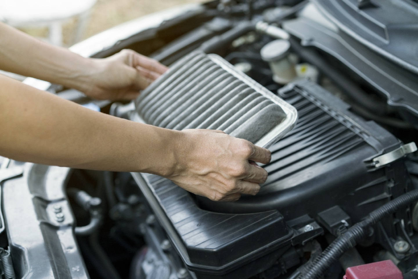 Getting to Know Your Vehicle's Filters: Air, Oil, Transmission, Fuel, Cabin
